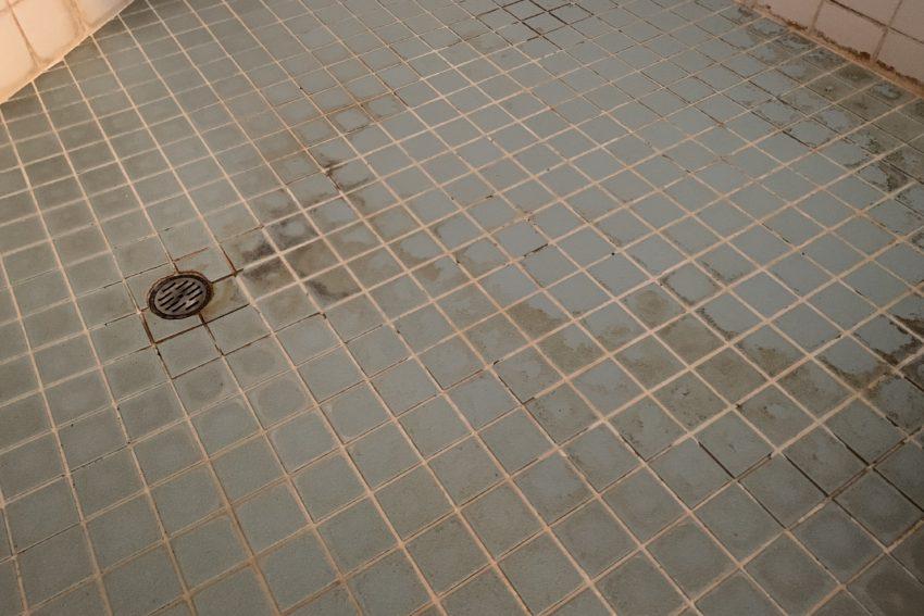 浴室クリーニング 水垢大阪 清掃前